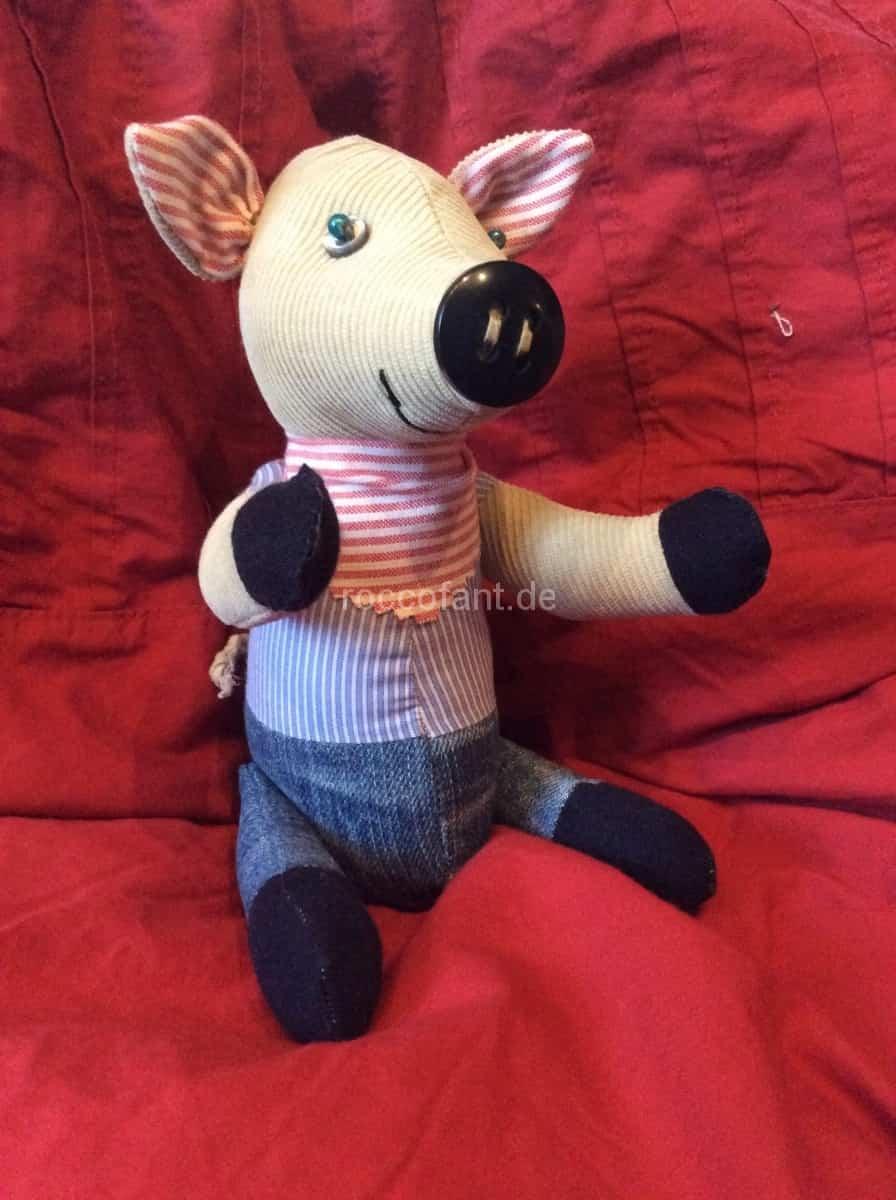 Schwein mit Knopfnase und Gelenken (Preis auf Anfrage)